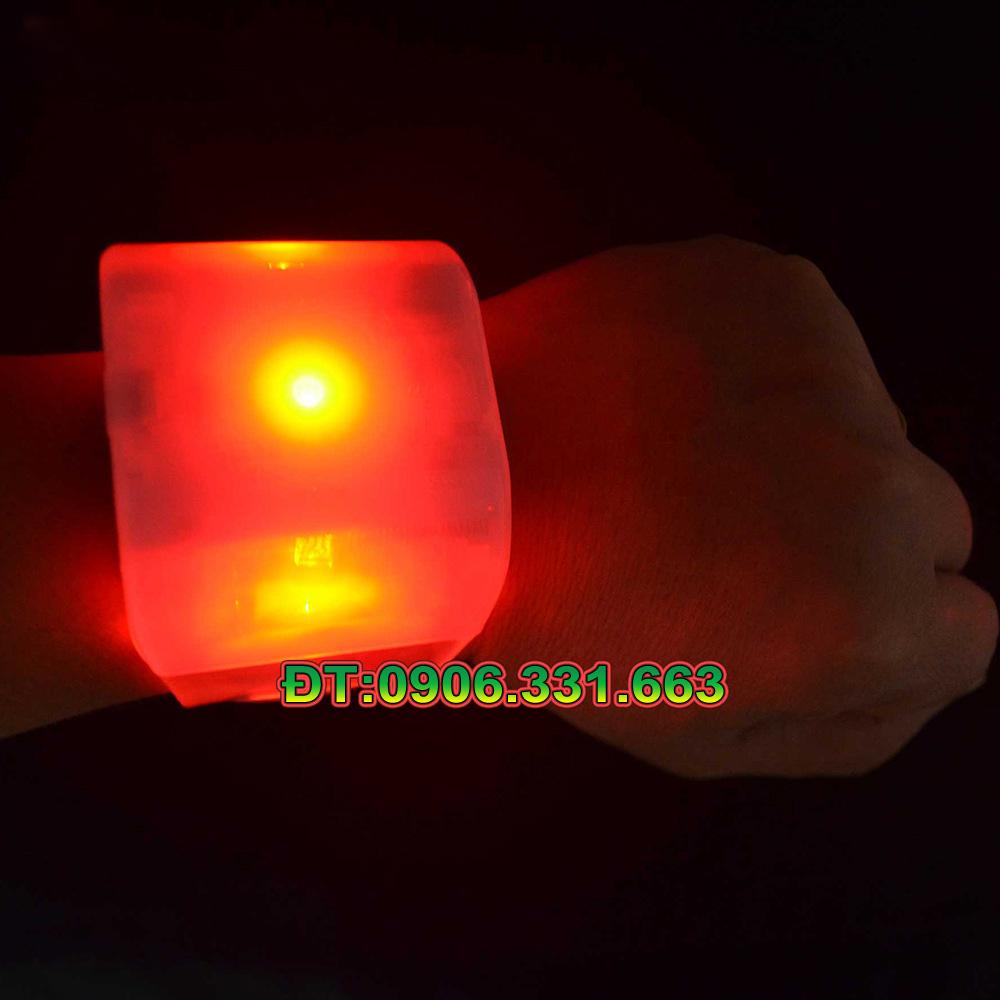 Vòng tay led 15 màu điều khiển từ xa