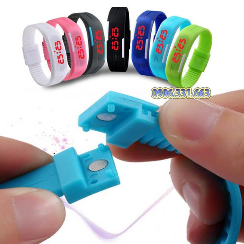 đồng hồ dây nhựa dẻo sport led