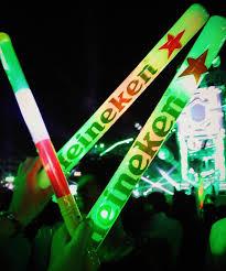 Cây đập cổ vũ in decal Heineken