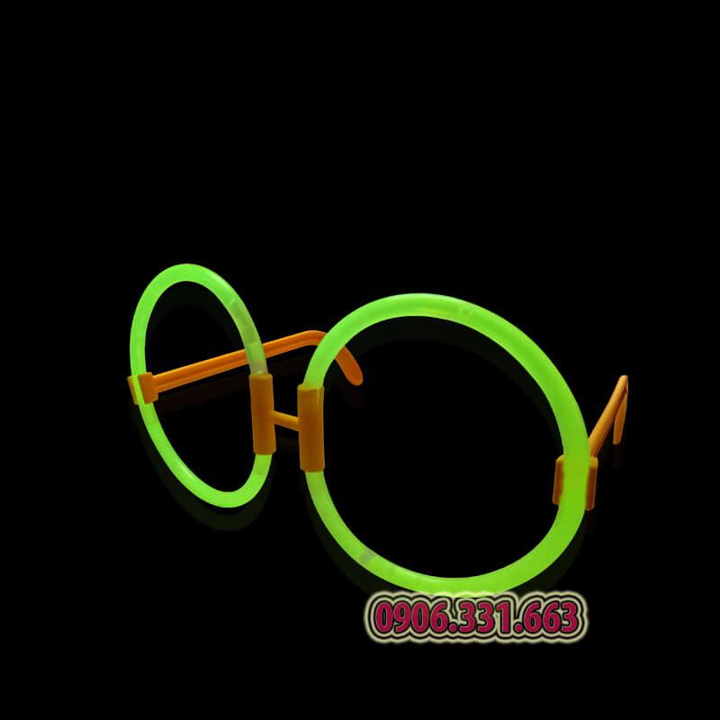 mắt kính dạ quang