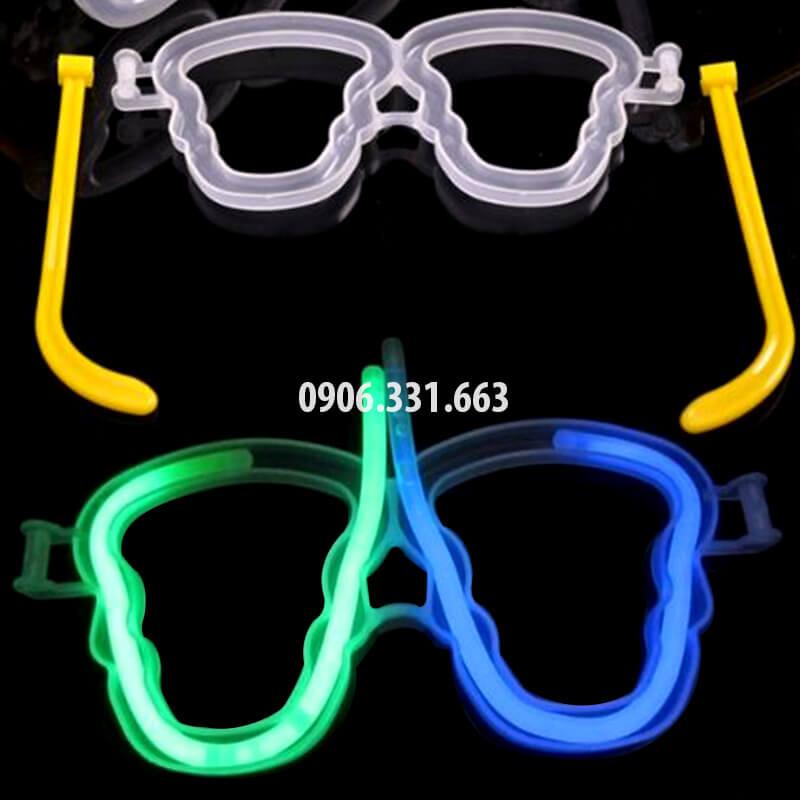 mắt kính dạ quang phát sáng hình đầu lâu