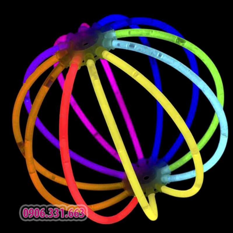 que dạ quang biến hình khối cầu