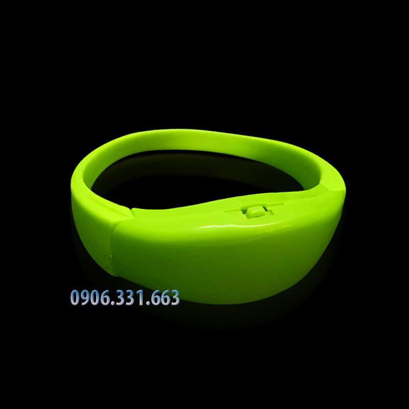 vòng đeo tay cảm ứng