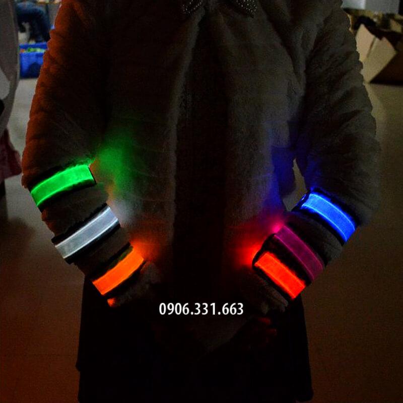 vòng đeo tay đèn led