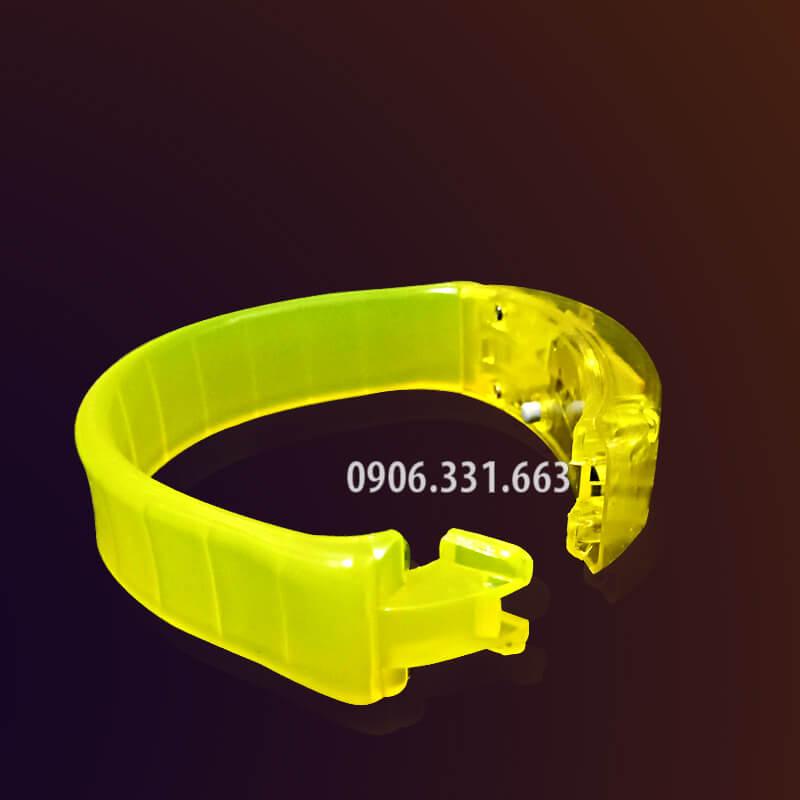 vòng tay cảm ứng âm thanh phát sáng