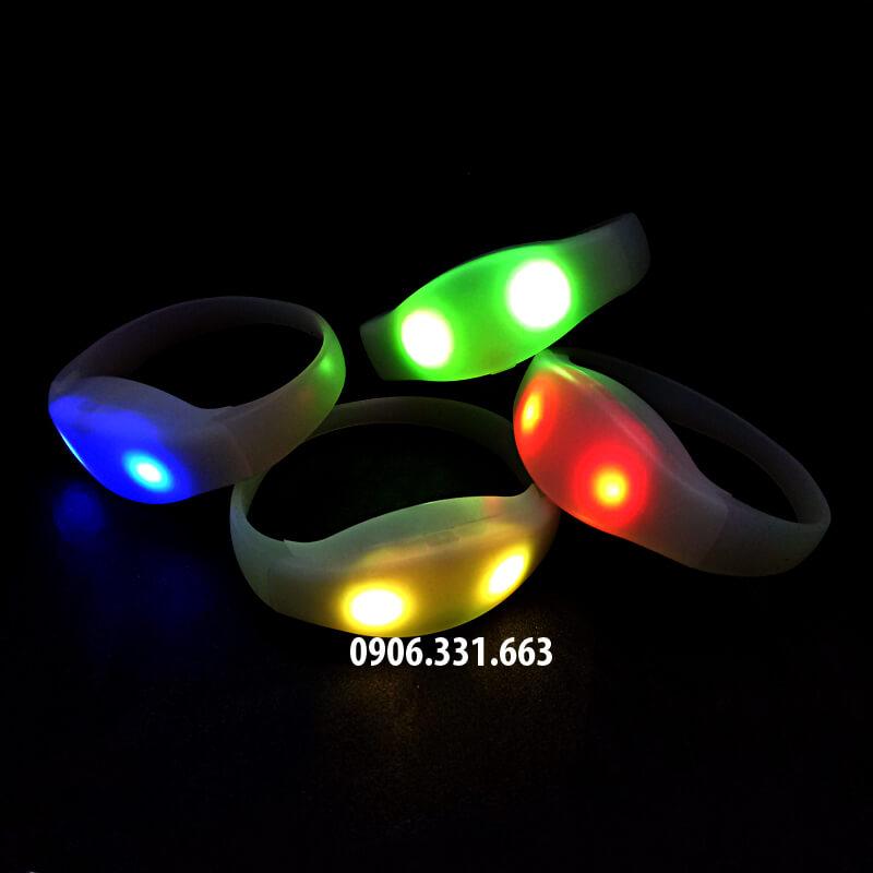 vòng tay led phát sáng có bộ điều khiển