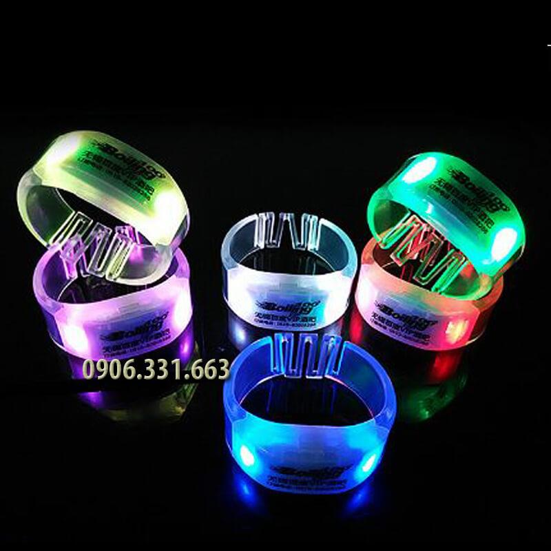 vòng tay phát sáng xanh dương 3 đèn led